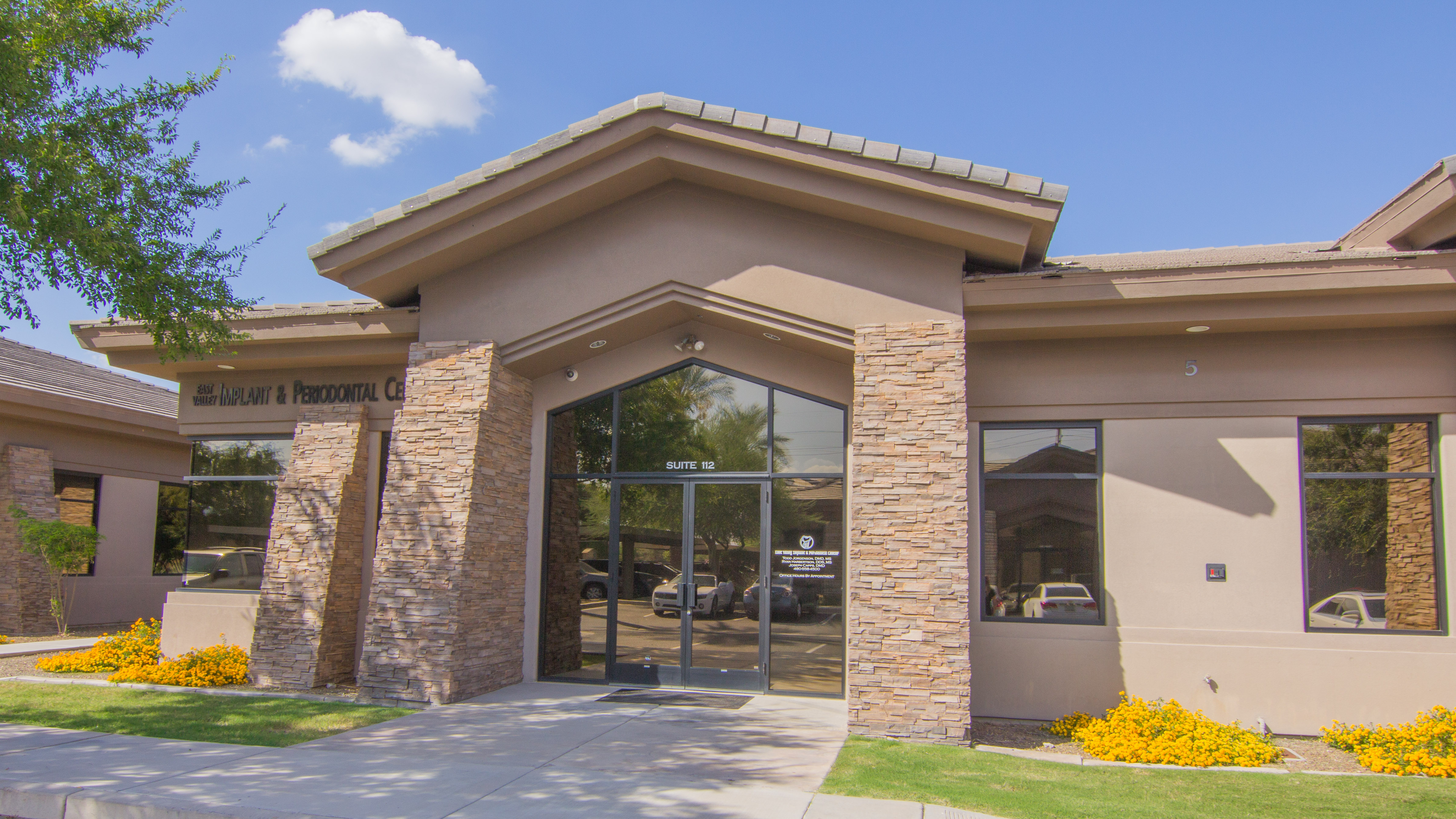 Exterior photo of periodontal center in Mesa